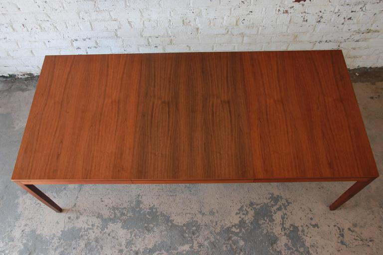 Mid-Century Modern Florence Knoll for Knoll International Walnut Extension Dining Table, 1957 For Sale
