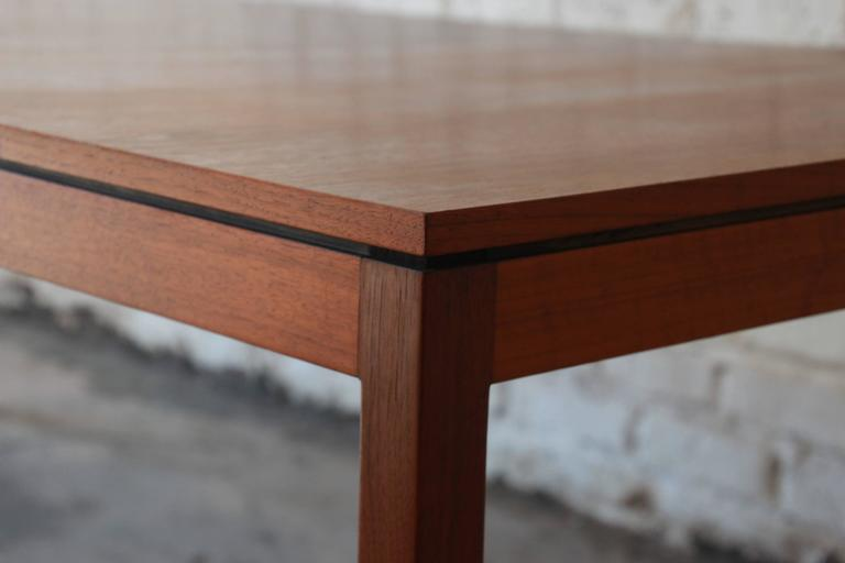 Florence Knoll for Knoll International Walnut Extension Dining Table, 1957 In Good Condition For Sale In South Bend, IN