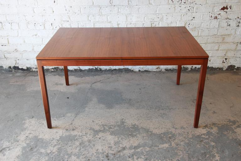 Florence Knoll for Knoll International Walnut Extension Dining Table, 1957 For Sale 2