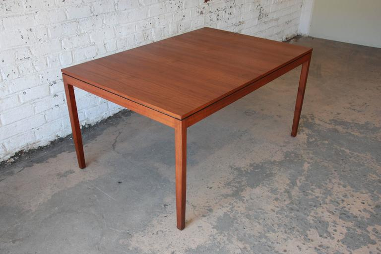 Florence Knoll for Knoll International Walnut Extension Dining Table, 1957 For Sale 3