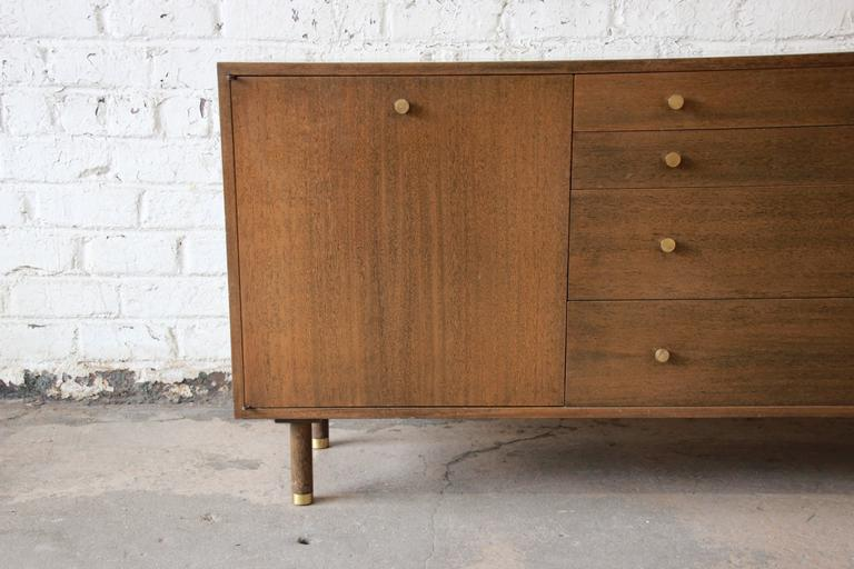 Harvey Probber Mid-Century Modern Mahogany Credenza For Sale 1
