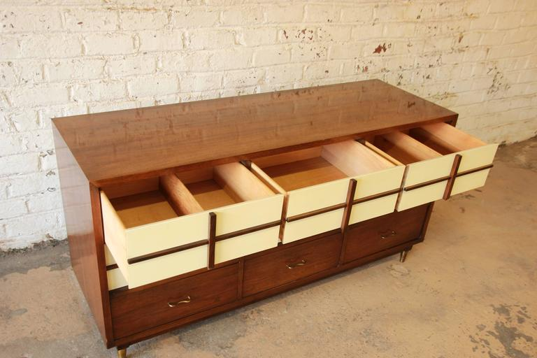 Merton Gershun Mid-Century Modern Nine-Drawer Dresser or Credenza In Good Condition For Sale In South Bend, IN
