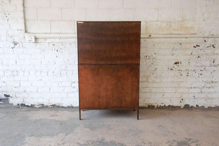 Paul McCobb for Calvin Four-Drawer Chest of Drawers with Glass Front Hutch 7