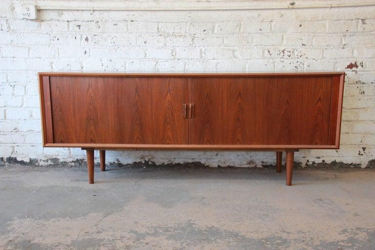 Ib Kofod-Larsen for Faarup Møbelfabrik Danish Modern Teak Credenza with Hutch For Sale 3