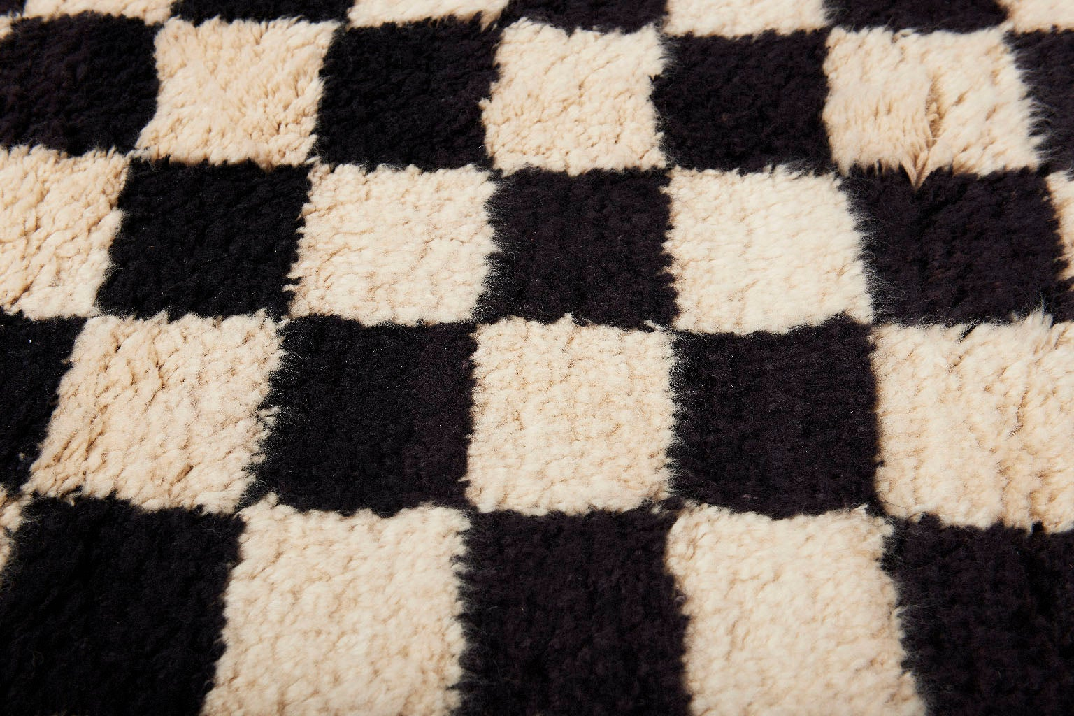 AELFIE Checkerboard Black And White Shag Modern Geometric Hand Knotted Rug  Carpet For Sale At 1stdibs