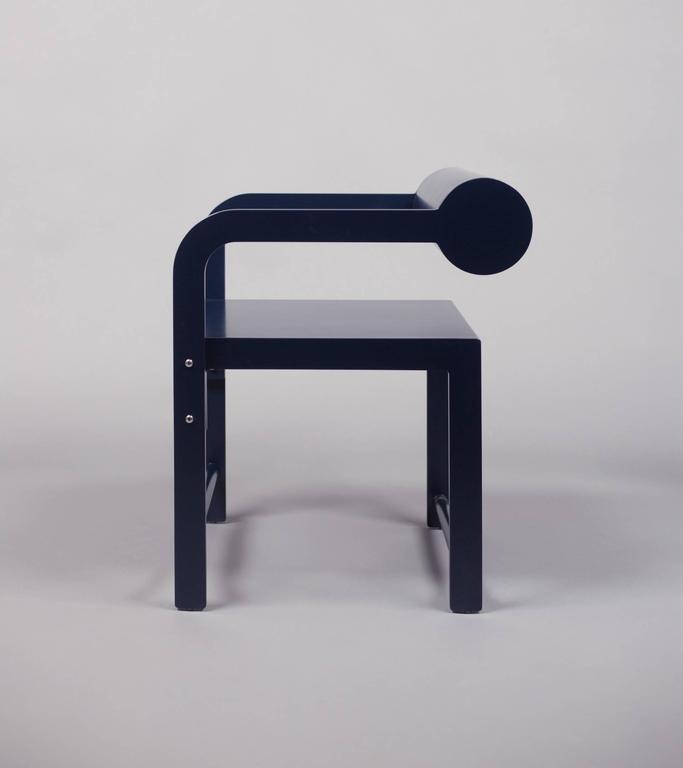 Waka Waka Zeitgenössischer Indigoblau Lackierter Stuhl mit Zylinderlehne 3