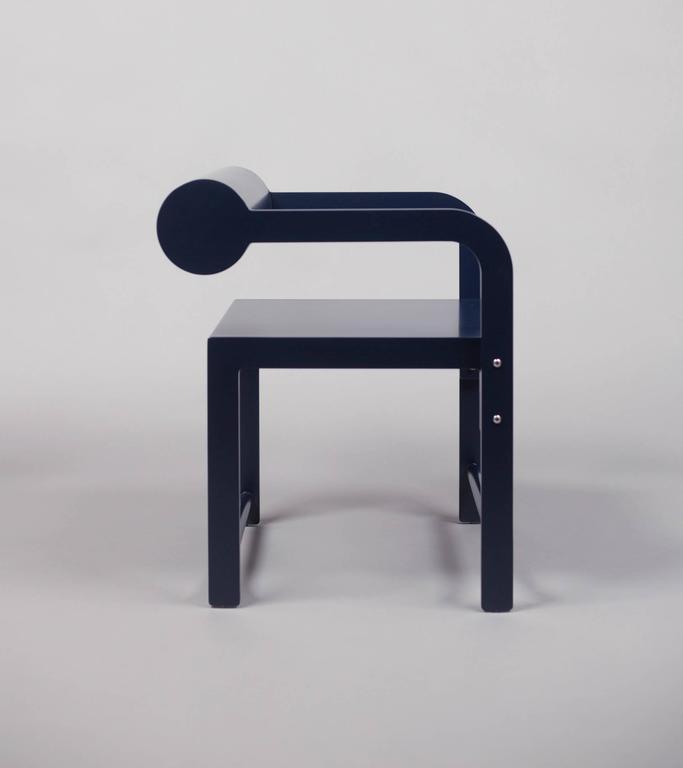 Waka Waka Zeitgenössischer Indigoblau Lackierter Stuhl mit Zylinderlehne 4