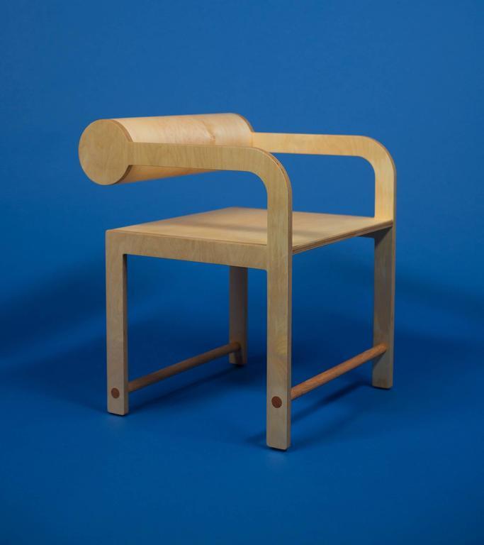 Waka Waka Zeitgenössischer Indigoblau Lackierter Stuhl mit Zylinderlehne 8