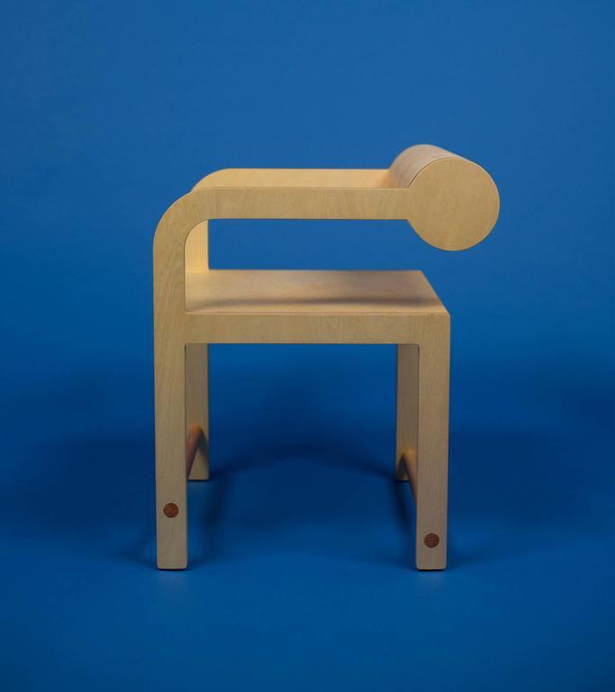 Waka Waka Zeitgenössischer Indigoblau Lackierter Stuhl mit Zylinderlehne 9