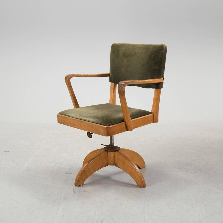Swedish Art Deco Desk and Swivel Chair by Gunnar Ericsson for Facit Atvidaberg In Excellent Condition For Sale In Madrid, ES