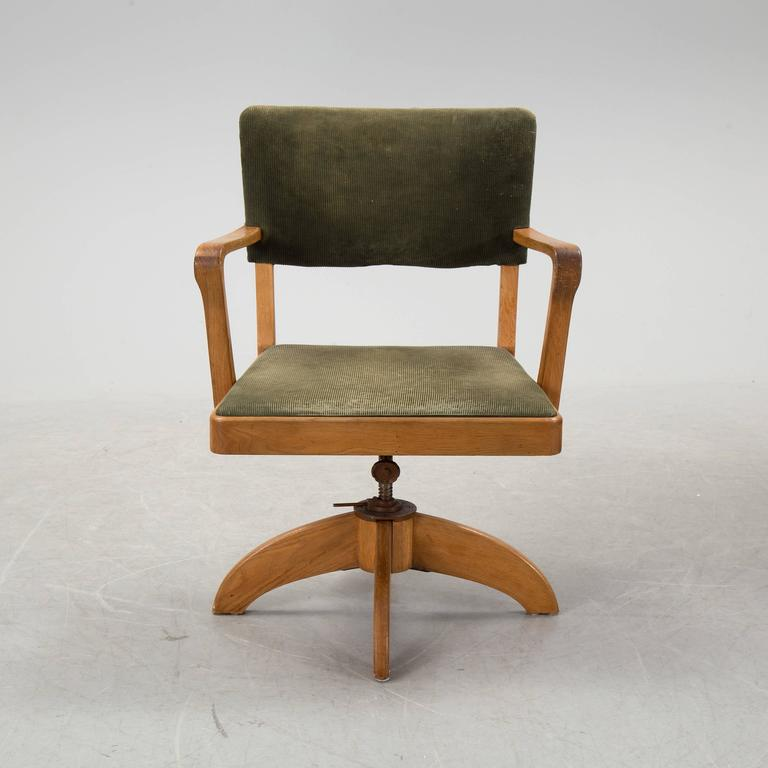 20th Century Swedish Art Deco Desk and Swivel Chair by Gunnar Ericsson for Facit Atvidaberg For Sale