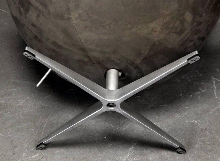 Arne Jacobsen Egg Chair by Fritz Hansen in Denmark In Good Condition In Madrid, ES
