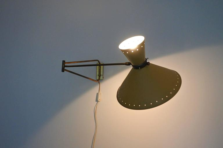 Lacquered Mid-Century French Swing Wall Lamp by René Mathieu for Lunel, 1950s For Sale