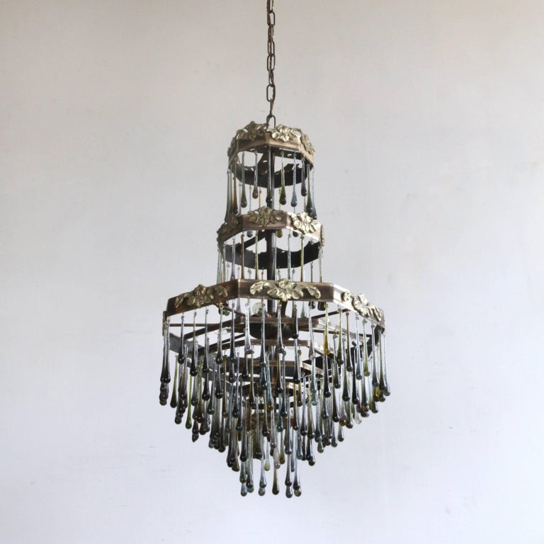 French 1920s Waterfall Chandelier with Contemporary Teardrops For Sale