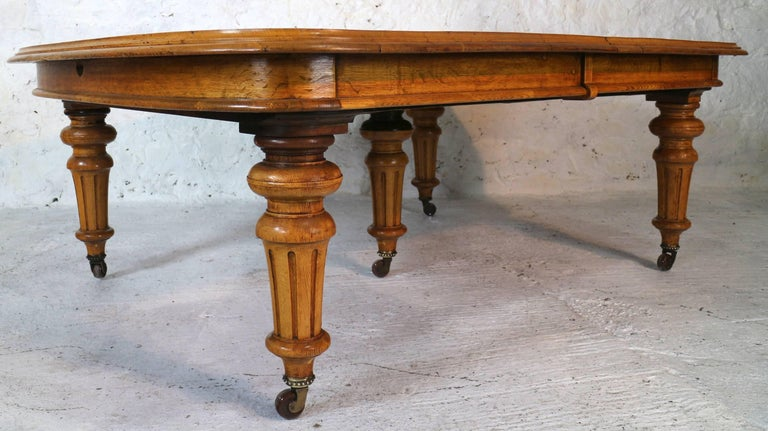 Early victorian extra wide oak dining table and six leaves for Extra long dining room tables sale