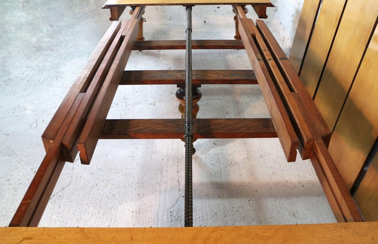Early Victorian Extra Wide Oak Dining Table And Six Leaves