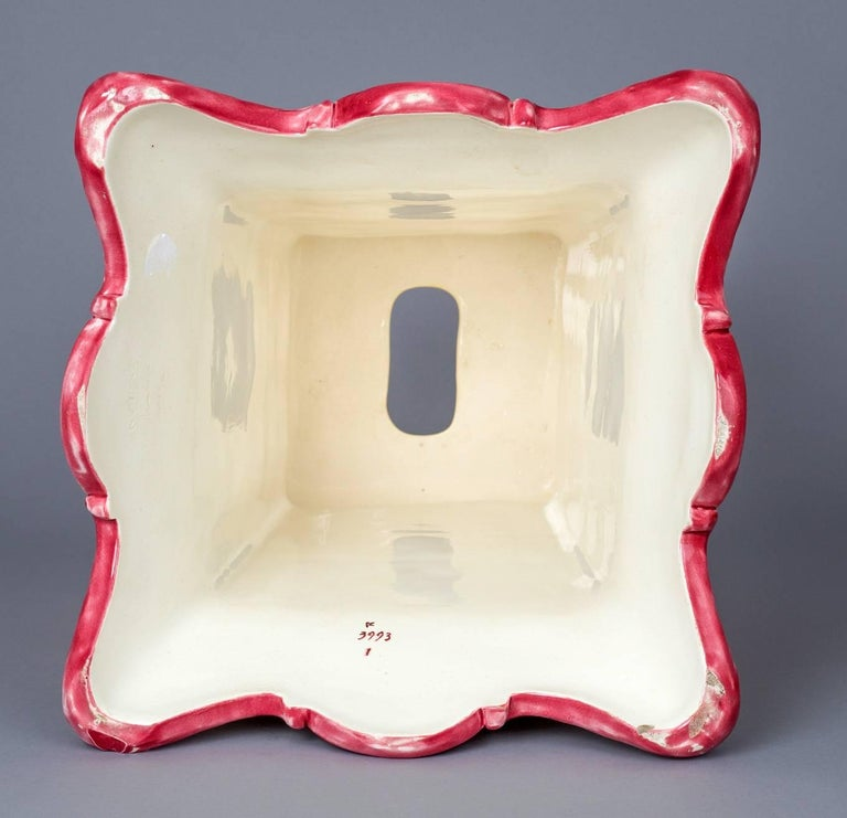 Wedgwood Garden Seat In Excellent Condition For Sale In Sheffield, MA