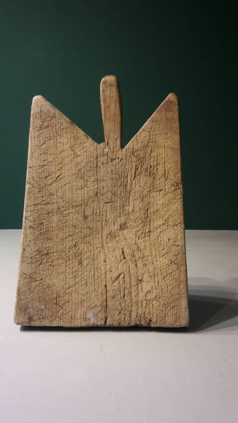 Early 20th Century French Wooden Cutting Board Made of Ash Tree 2