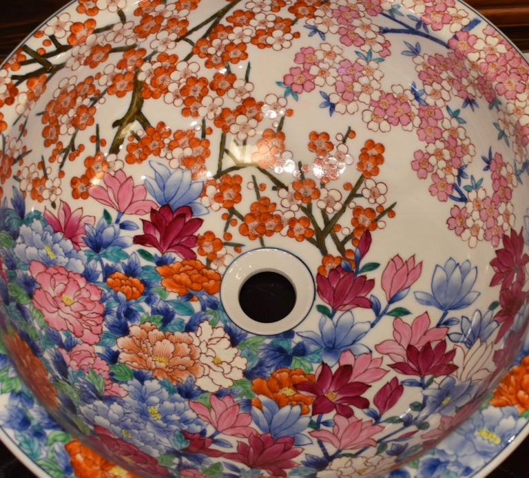 Japanese Hand-Painted Porcelain Washbasin by Contemporary Master Artist For Sale 3