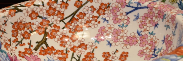 Japanese Hand-Painted Porcelain Washbasin by Contemporary Master Artist For Sale 5