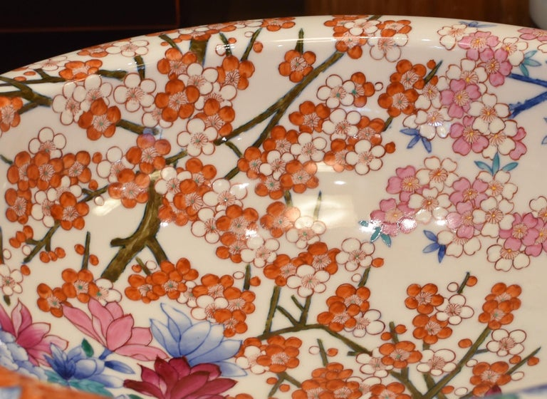Japanese Hand-Painted Porcelain Washbasin by Contemporary Master Artist For Sale 1