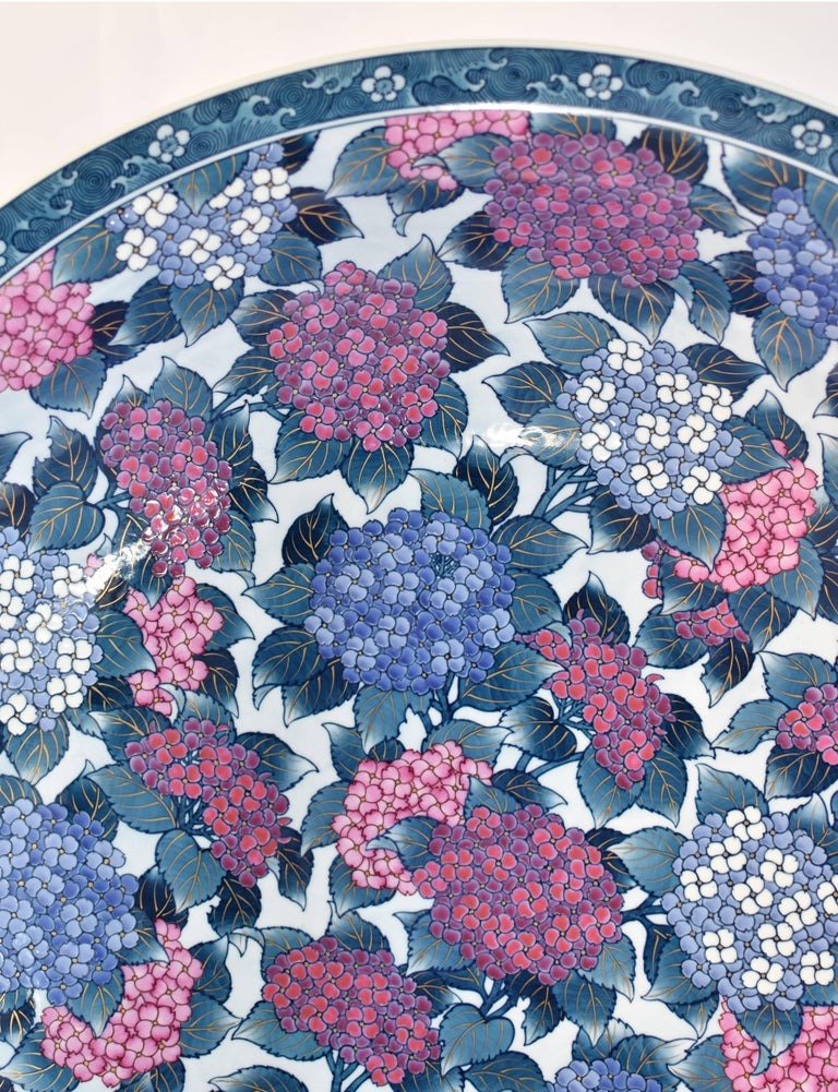 Very Large Japanese Imari Porcelain Centerpiece by Contemporary Master Artist For Sale 2