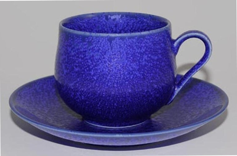 Japanese Hand-Glazed Turquoise Porcelain Cup and Saucer by Master Artist For Sale 3