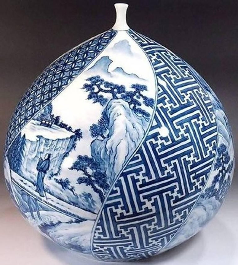Large Japanese Hand-Painted Imari Decorative Porcelain Vase by Master Artist For Sale 3