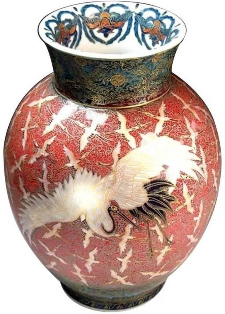 Large Japanese Hand-Painted Imari Decorative Porcelain Vase by Master Artist For Sale 5