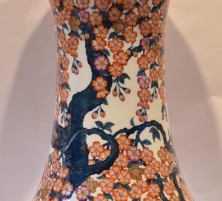 Japanese Hand-Painted Massive Imari Porcelain Vase by Master Artist For Sale 1