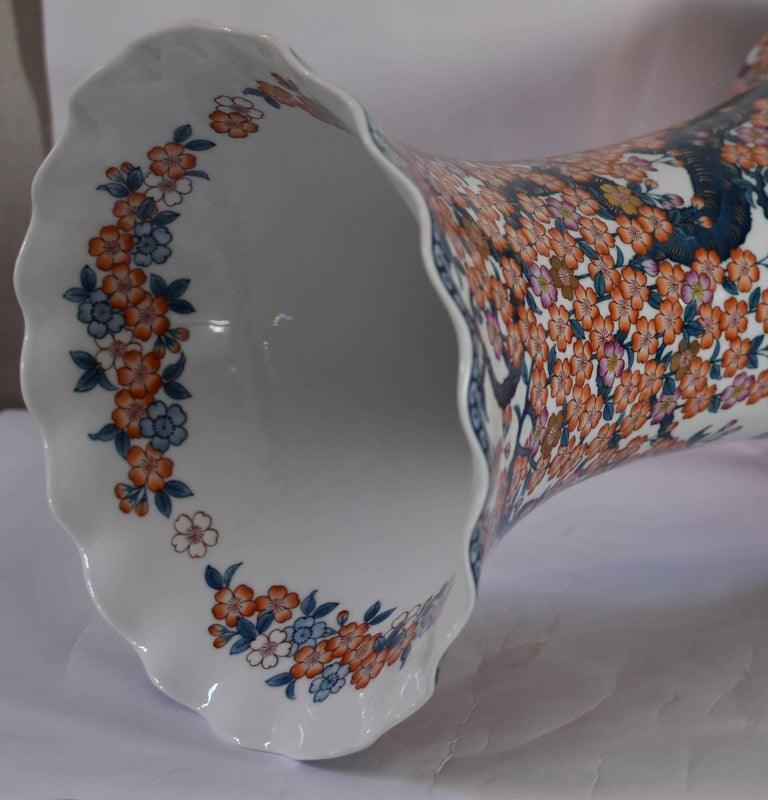 Contemporary Japanese Hand-Painted Massive Imari Porcelain Vase by Master Artist For Sale