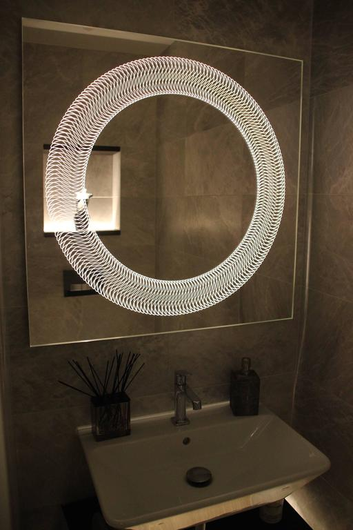 Modern Frameless Finely Etched Back Illuminated Square Glazz Cosmic Mirror In Excellent Condition For Sale In London, GB