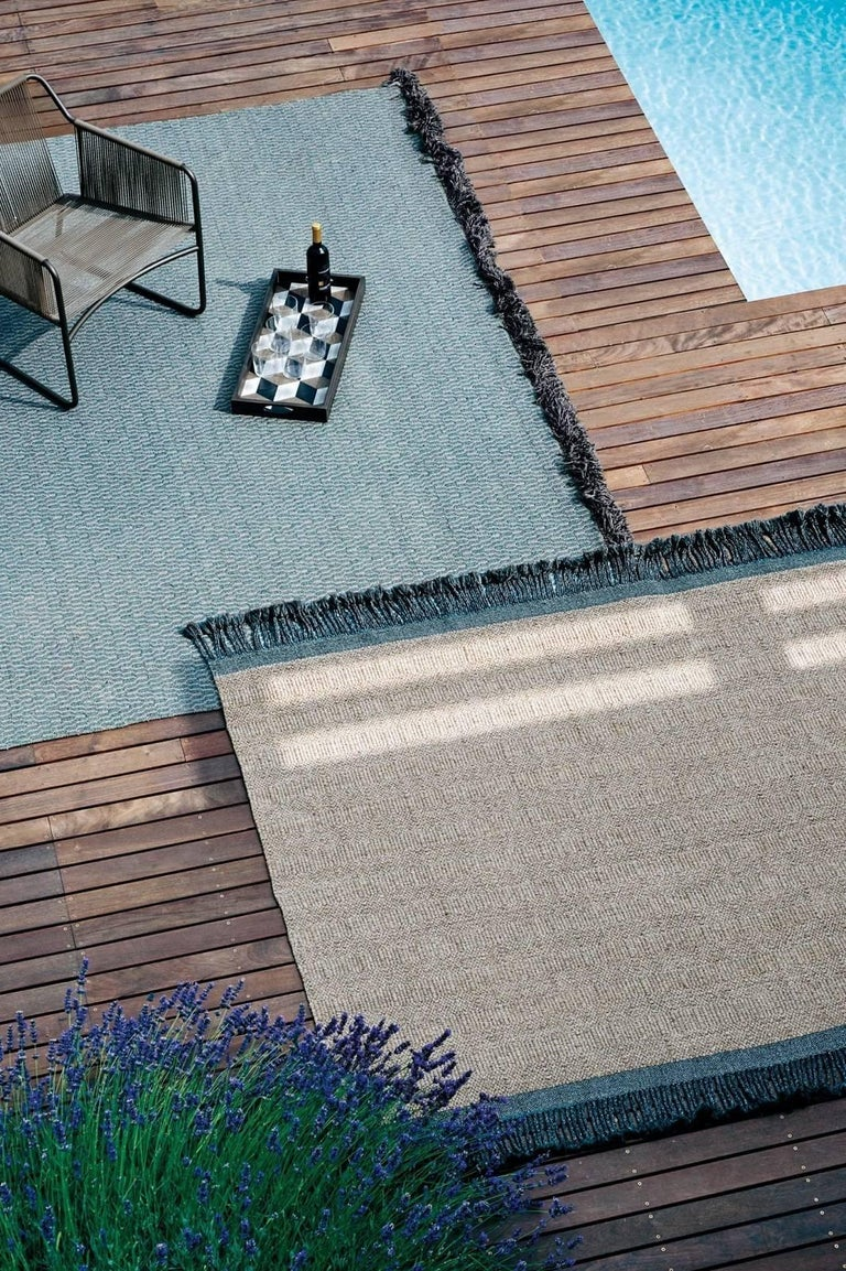 Atlas collection of outdoor rugs is defined by a contemporary taste, which combines understated refinement and a natural look.