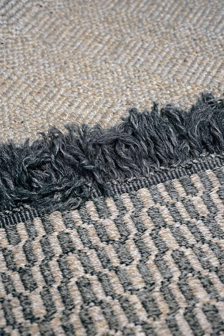 Babylon collection of outdoor rugs is defined by a contemporary taste, which combines understated refinement and a natural look. Produced on hand looms from synthetic fibers in mélange nuances,Babylon rugs offer the highest outdoor performance,