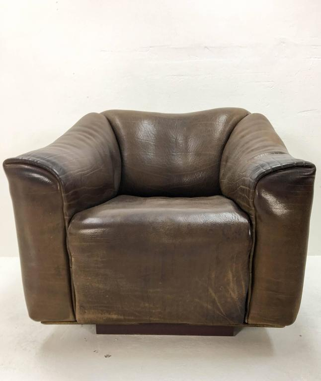 Leather 1970s De Sede Lounge Chair with Ottoman For Sale