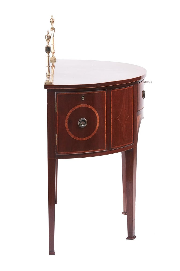 Fine George III Small Mahogany Inlaid Demilune Sideboard In Excellent Condition For Sale In Stutton, GB