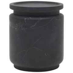 Mittelgroßes Gefäß in Schwarzem Marquinia Marmor, von Ivan Colominas, Italien auf Lager