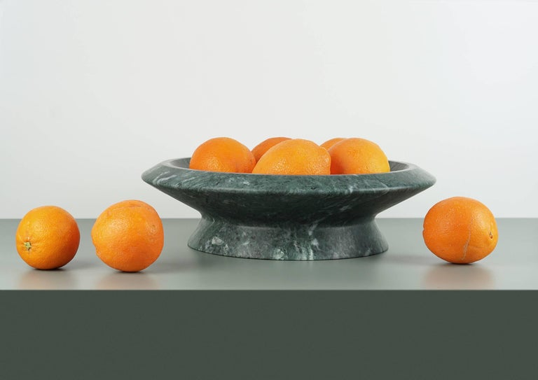 Green Guatemala marble centrepiece, inspired by Caravaggio's basket of fruit, it shows off marble in an extremely realistic dimension. Size: 36.5 x 10 cm, smooth finishing. Commercial name: Amaltea, Materia e Tavola collection by the Spanish