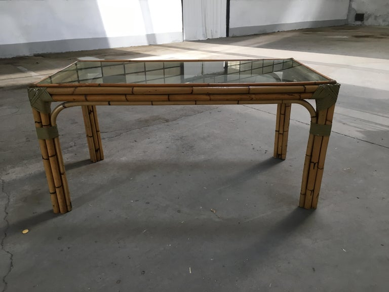 Mid-Century Modern Bamboo and Glass Italian Dining Table In Excellent Condition For Sale In Prato, IT