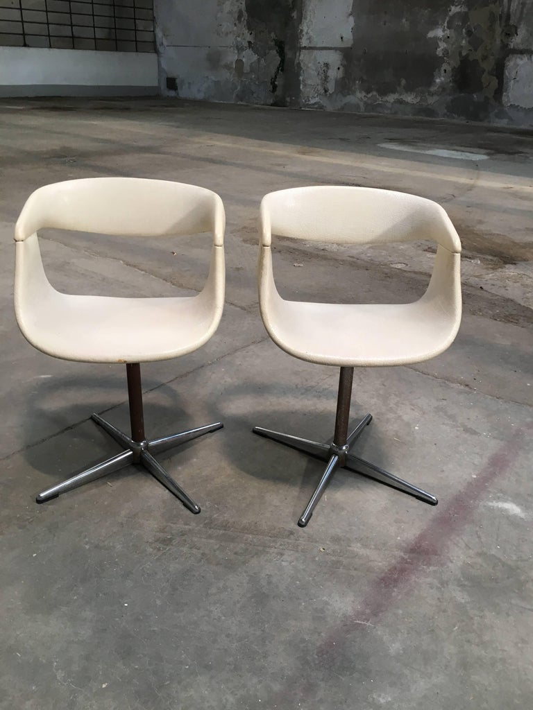 Mid-Century Modern Pair of Italian Swivel Chairs with Eco Leather from 1960s For Sale