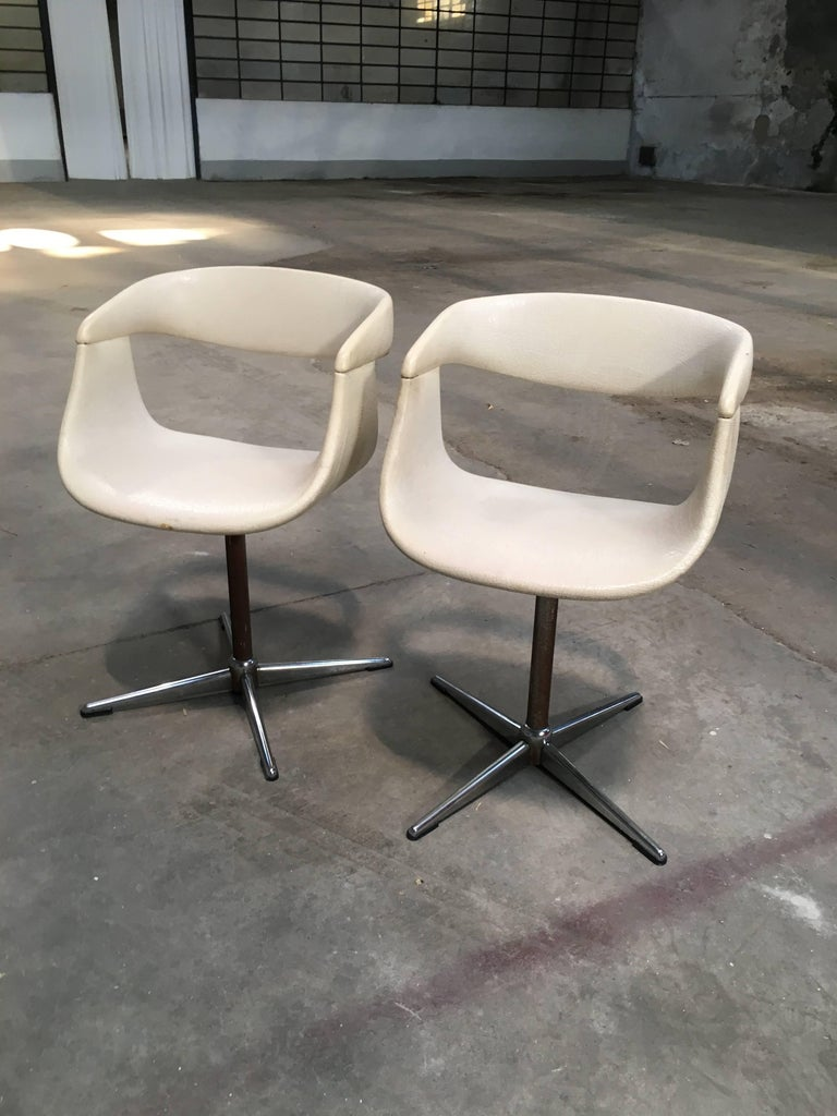 Pair of Italian Swivel Chairs with Eco Leather from 1960s In Good Condition For Sale In Prato, IT