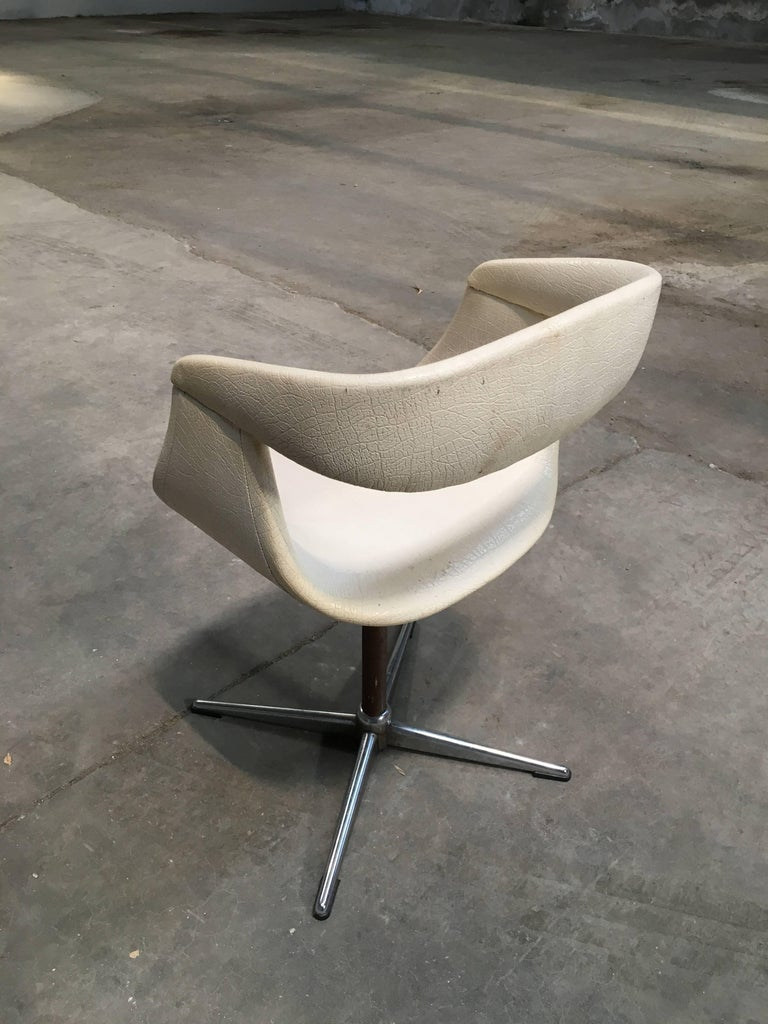 Pair of Italian Swivel Chairs with Eco Leather from 1960s For Sale 2