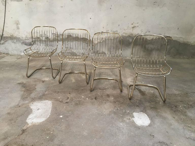 Mid-Century Modern Set of Four Gilt Metal Italian Dining Chairs from 1970s In Good Condition For Sale In Prato, IT