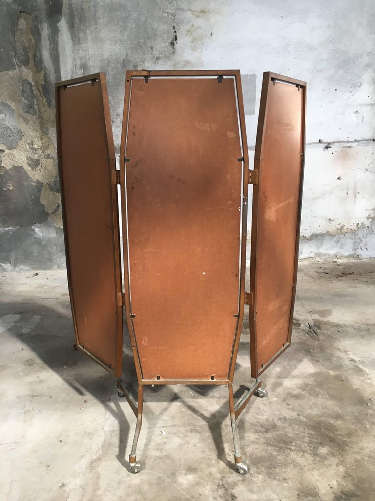Italian Triptych Standing Mirror on Wheels from 1960s In Good Condition For Sale In Prato, IT