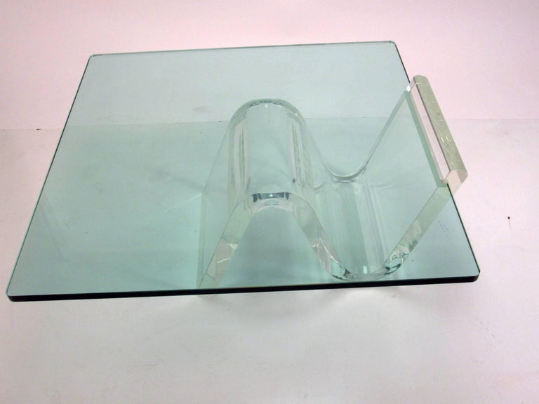 Mid-Century Modern Cantilevered Lucite and Glass Coffee Table, circa 1980s For Sale