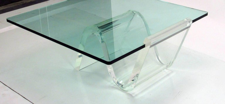 American Cantilevered Lucite and Glass Coffee Table, circa 1980s For Sale