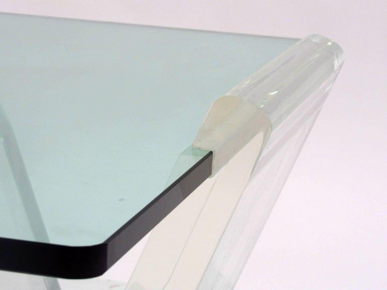 Cantilevered Lucite and Glass Coffee Table, circa 1980s In Good Condition For Sale In Surprise, AZ