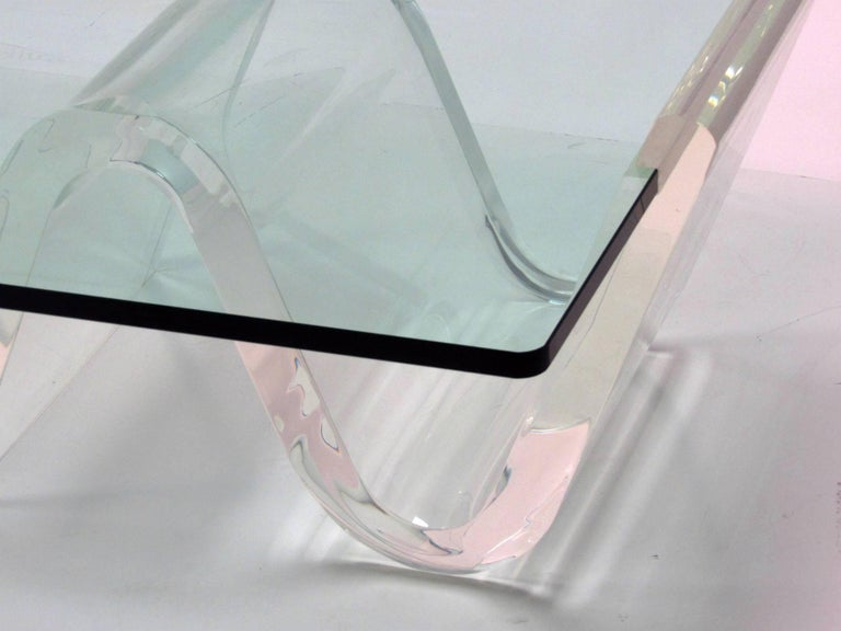 20th Century Cantilevered Lucite and Glass Coffee Table, circa 1980s For Sale