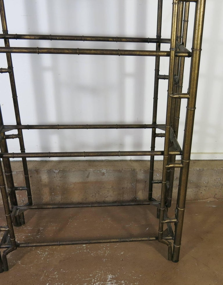 Chinese chippendale metal faux bamboo tag re for sale at 1stdibs - Montant etagere metal ...