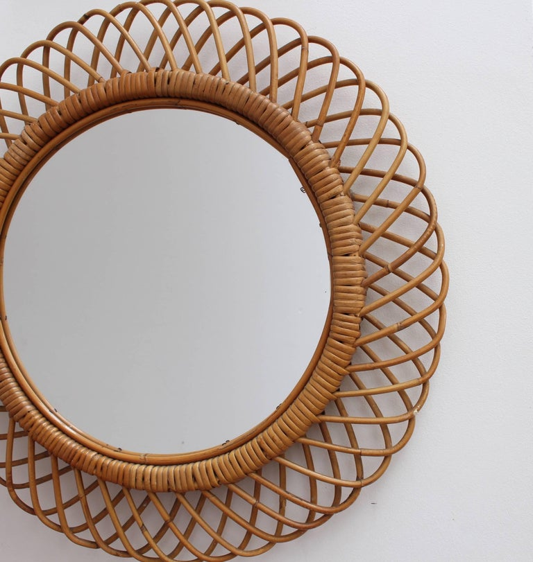 Italian Sunburst Rattan Wall Mirror (circa 1960s) In Good Condition For Sale In London, GB